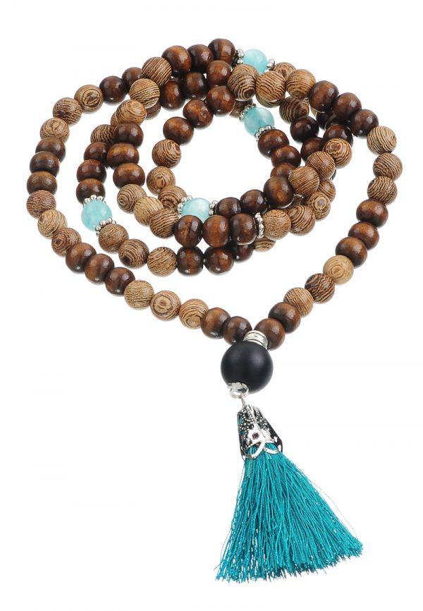 Boho mala ketting  kralen groeneblauwe kralen en hout met groenblauwe kwast