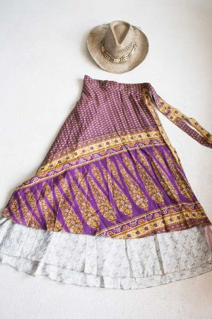 Gipsy bohemian sari wikkelrok aubergine paars met geel en roomwit