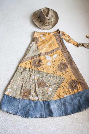 Gipsy bohemian sari wikkelrok lichtoranje met goud en denimblauw