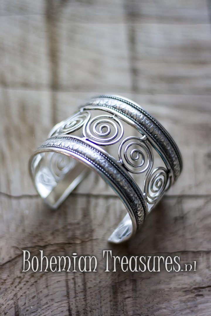 armband messing met spiraal decoratie