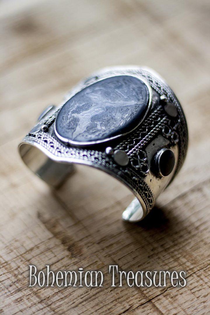 armband zwarte steen