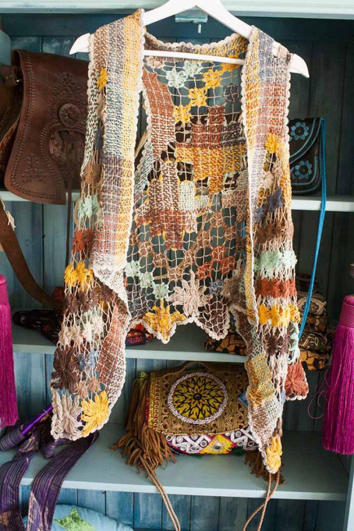 bohemian gypsy vestje braziliaans knoopwerk beige met terra en oker en mint