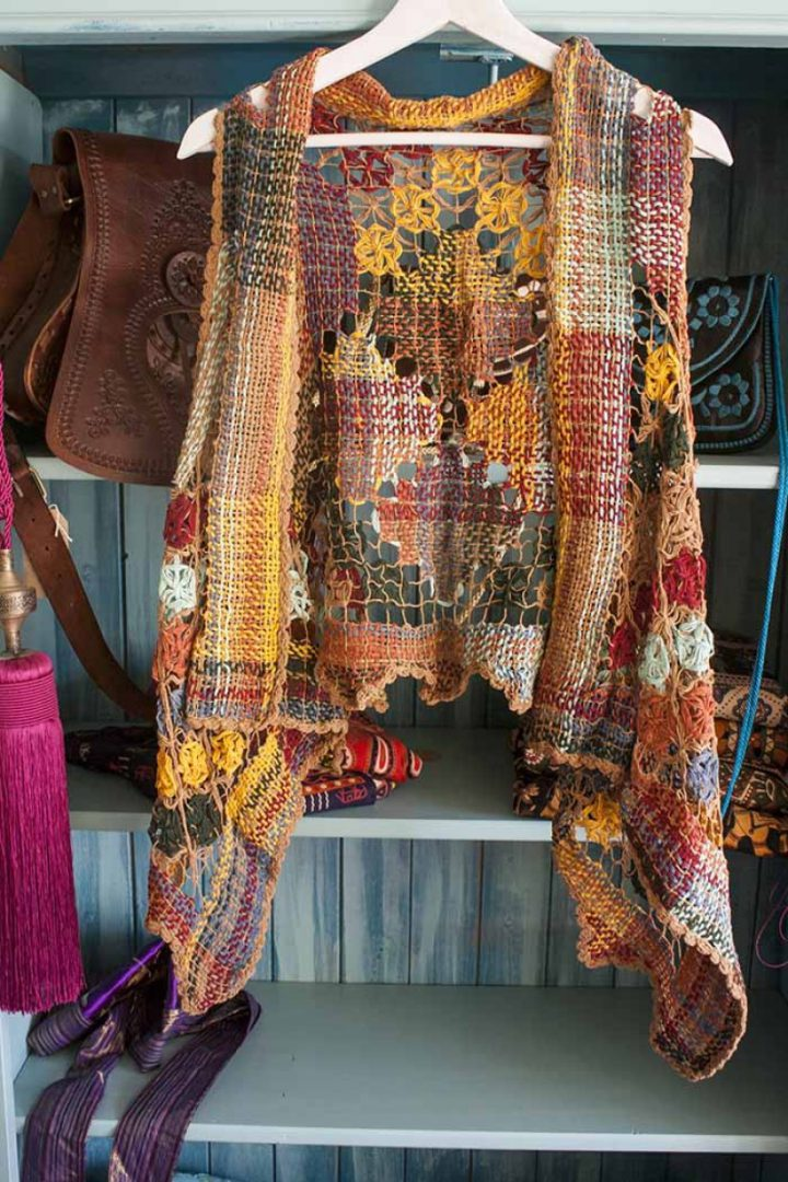 bohemian gypsy vestje braziliaans knoopwerk lichtbruin met herfstkleuren