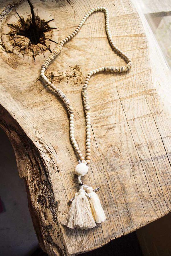 boho ibiza mala ketting creme hout en kwastjes