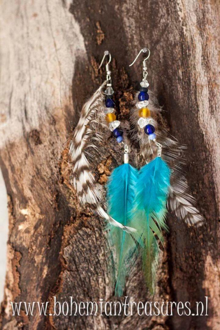 boho oorbellen veertjes blauw en kraaltjes