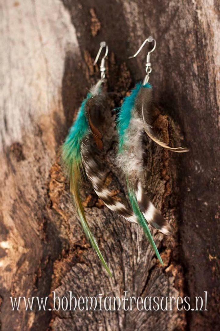 boho oorbellen veertjes met blauw