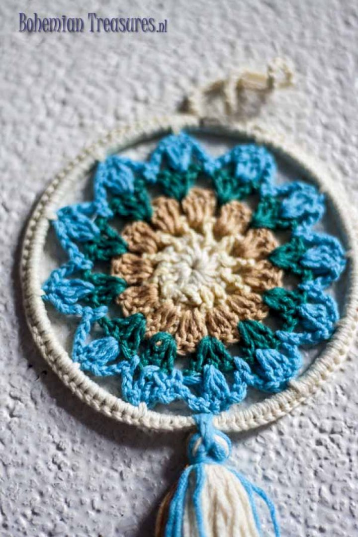 mandala blauw wit