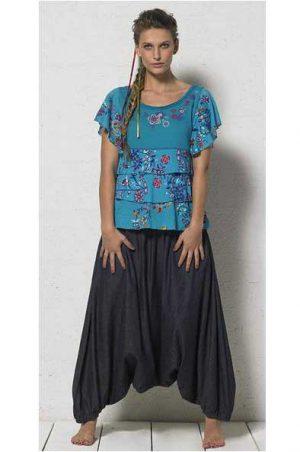 turqoise shirt met bloemen en stroken