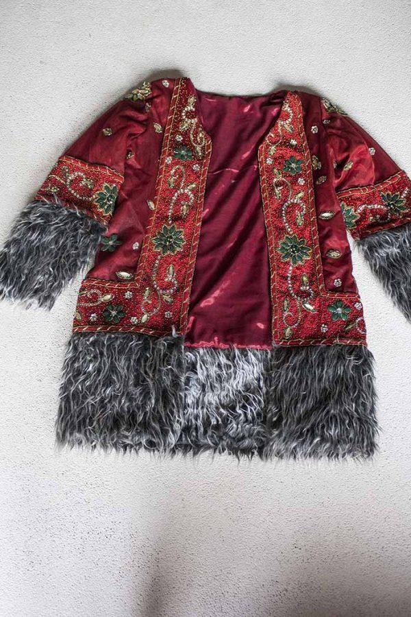 gypsy vest jas geborduurd rood met bont
