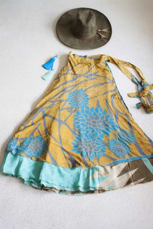 sari India wikkelrok gypsy okergeel met turqoise bloemen