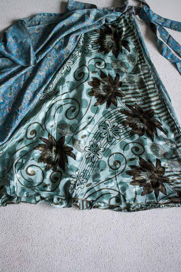 wikkelrok sari India boho gypsy lichtblauw met bloemetjes en aqua met grijs