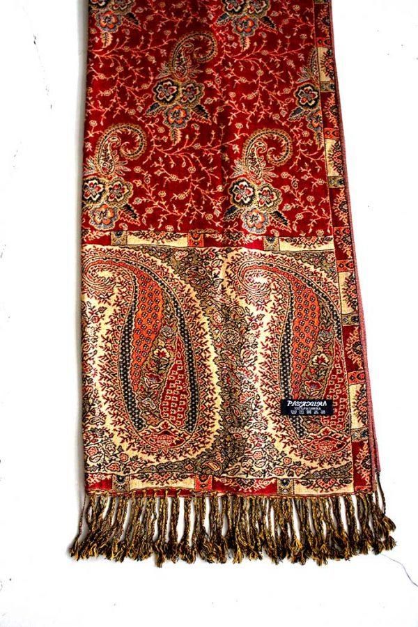 sjaal met franjes dieprood met oosters motief
