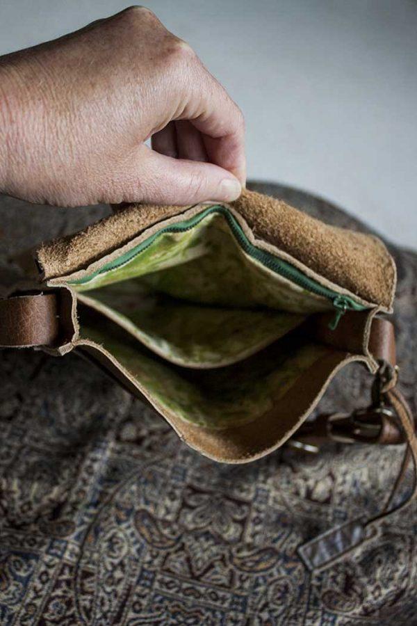 Schoudertasje bruin leer van Vlinderz