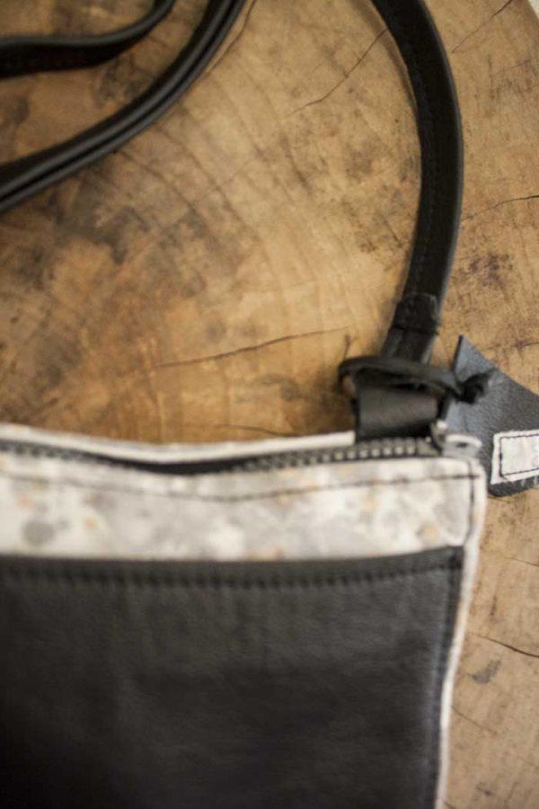 clutch handtasje geverfd katoen met zwart leer