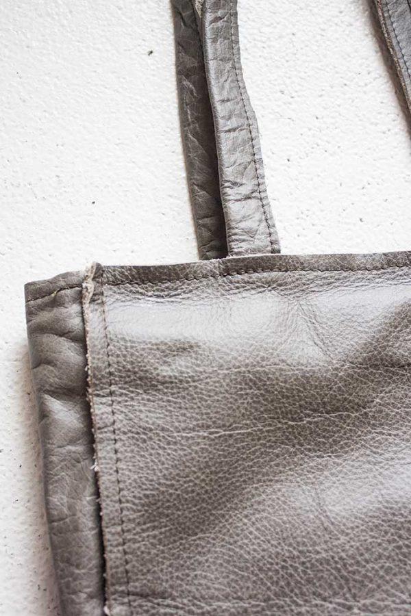 grijsbruine handtas laptoptas handgemaakt van Vlinderz