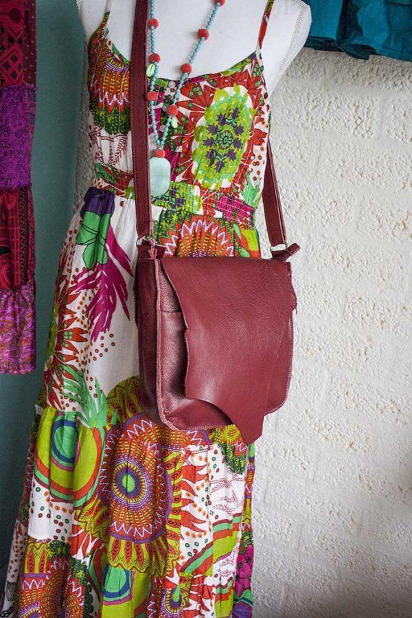 schoudertas rood met flap echt leer Vlinderz
