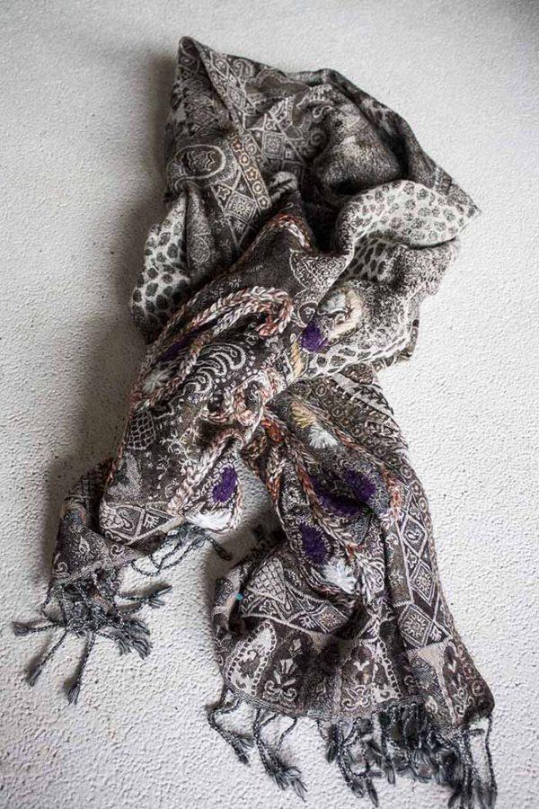 sjaal  wol bruin creme met borduursel