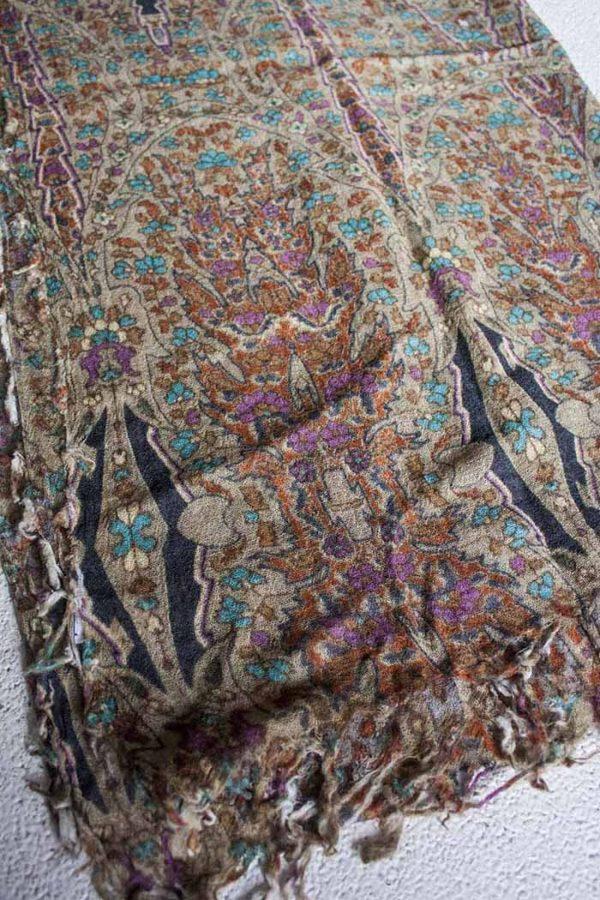 sjaal beige turqoise bloemetjes  wol