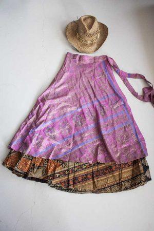 magische sari wikkelrok roze met zwart en terra