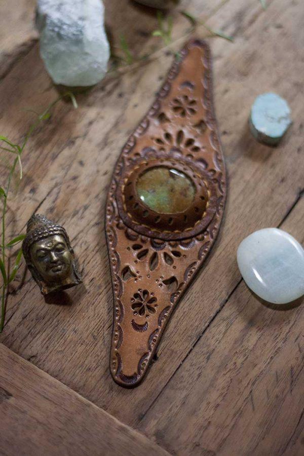 Armband tuigleer Fienie met steen en deco