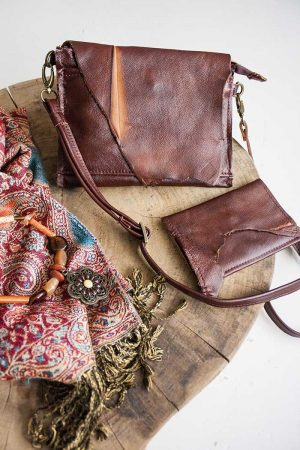 clutch roodbruin leer  met flap en portemonnee