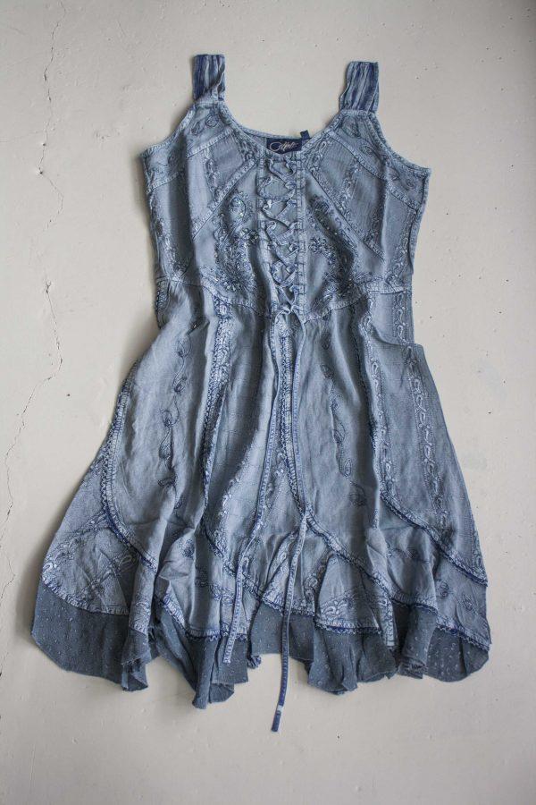 Halflange jurk zilverblauw met embroidery India  scaled