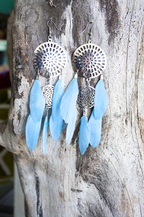 zilver mandala met blauwe veertjes