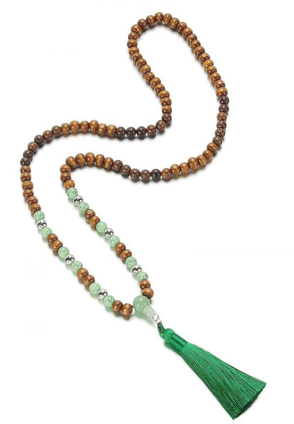 Boho mala ketting  kralen groene jade kralen en hout met groene kwast