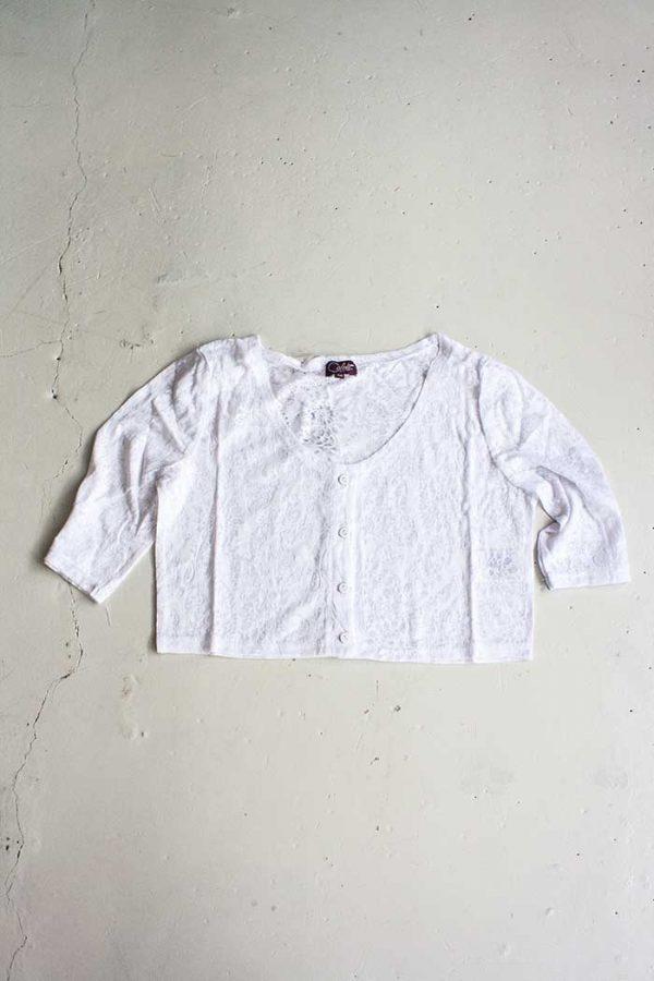 Bolero vestje topje wit kantachtige stof met knoopjes