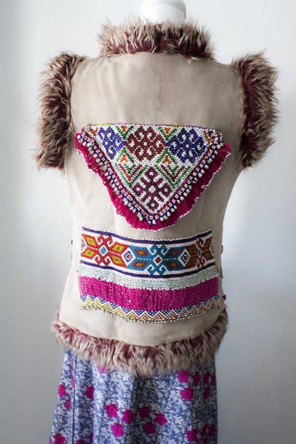 gilet dik embroidery bordeaux met kleurtjes
