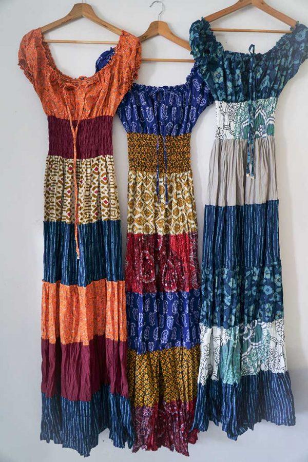 Burlesque lange jurk rood blauw wit goud alledrie