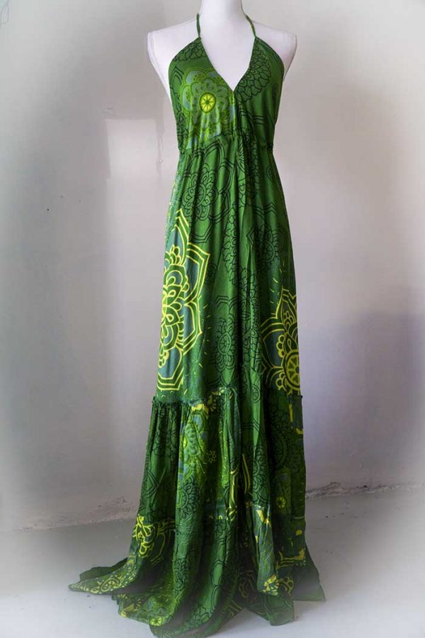 Lange jurk met open rug en stroken diep natuur groen met gele mandalas