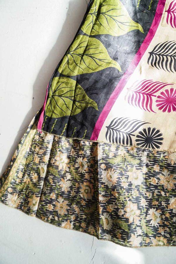 gypsy magische sari India wikkelrok zwart beige rood en groen
