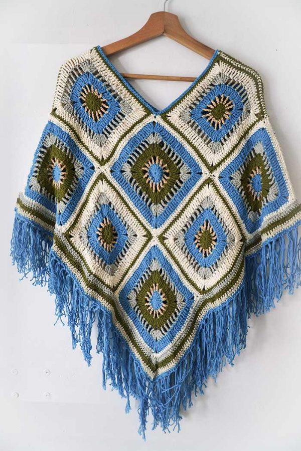 poncho gehaakt ruiten in roomwit blauw olijf bruin